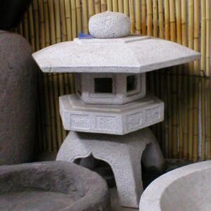 CC56 Stone Lantern